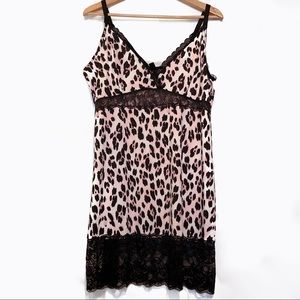 Leopard print slip with lace